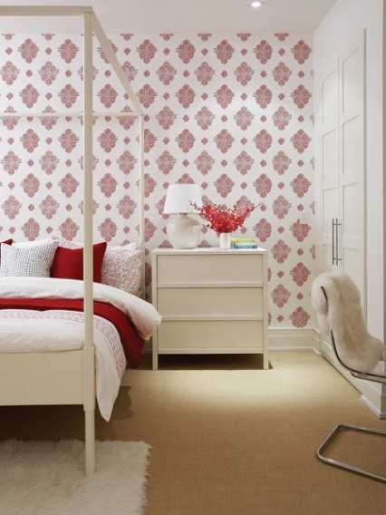 boxwoodclippings_red and white wallpaper