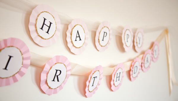 boxwood clippings_diy birthday banner