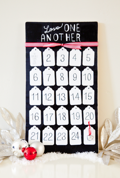 Service Advent Calendar - LOVE this idea! { lilluna.com }