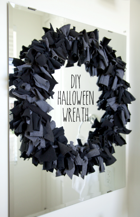 Boxwood clippings blog archive diy halloween sweater wreath - Interesting diy halloween wreaths home ...