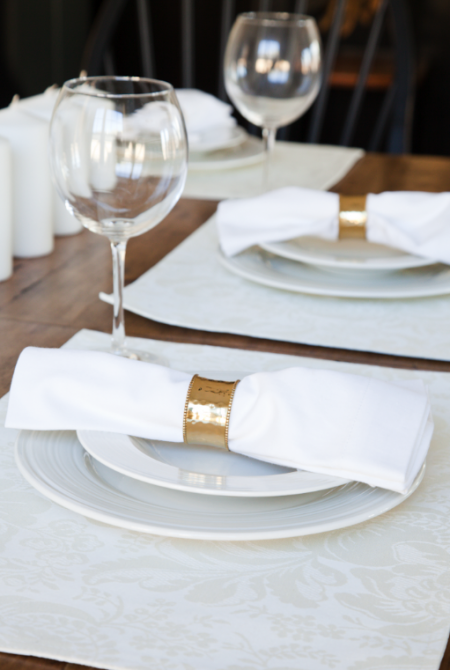 boxwood clippings_simplest thanksgiving table setting