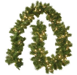 boxwoodclipping_pre-lit garland
