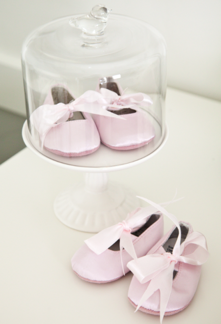 boxwood clippings_pink baby shoes
