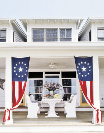 boxwoodclippings_patriotic porch