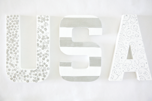 USA Home Decor - cute and easy { lilluna.com } All you need is some paper mache letters, paint, glitter, and glue!