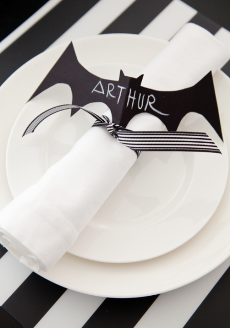 boxwood clippings_bat halloween place setting