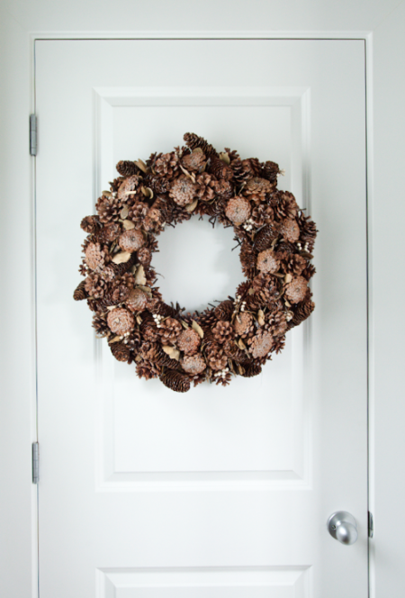 boxwood clippings_pinecone wreath