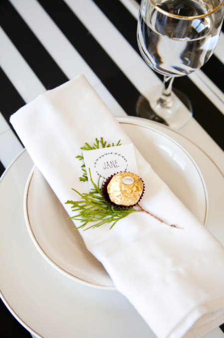 boxwood clippings_a black, white and gold festive place setting