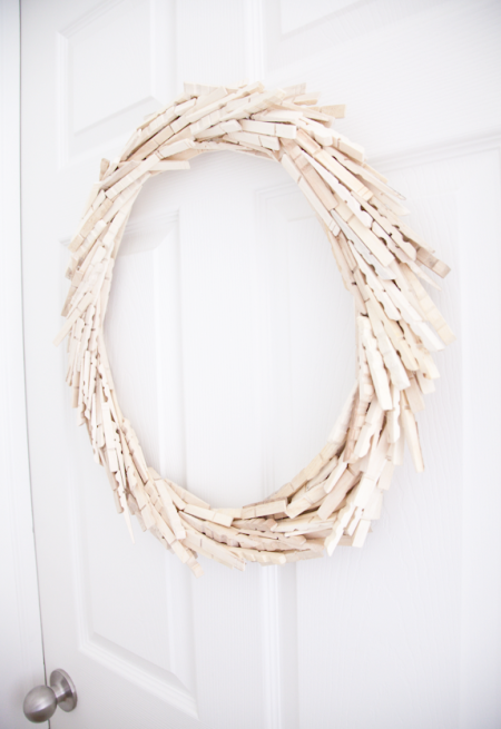 boxwood clippings_diy wreath made out of clothes pins
