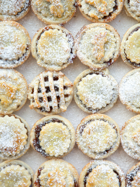 boxwood clippings_mini mince pies