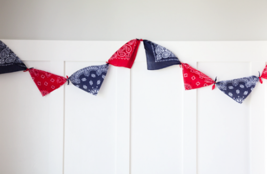 DIY No-Sew Patriotic Garland | Boxwood Clippings