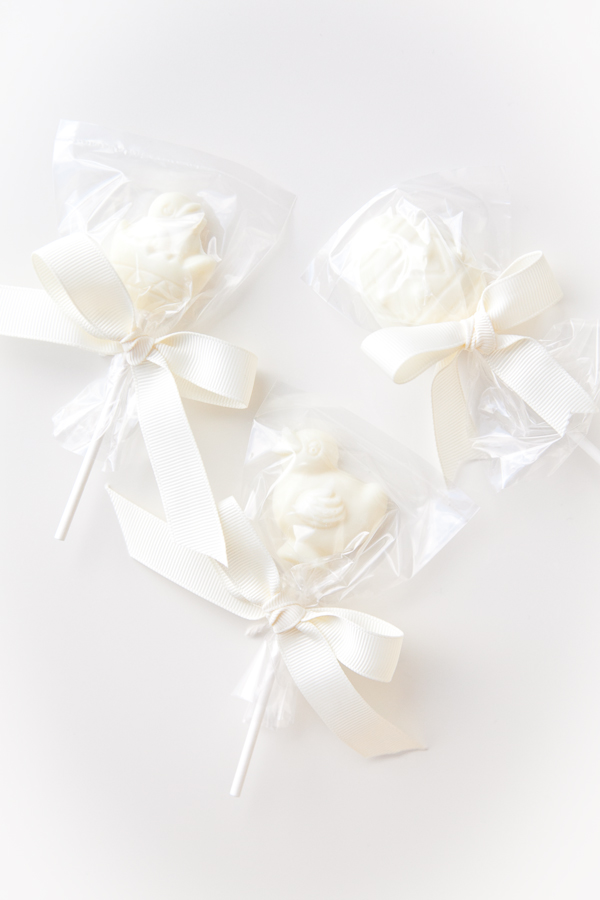 boxwood clippings | white chocolate lolly pops