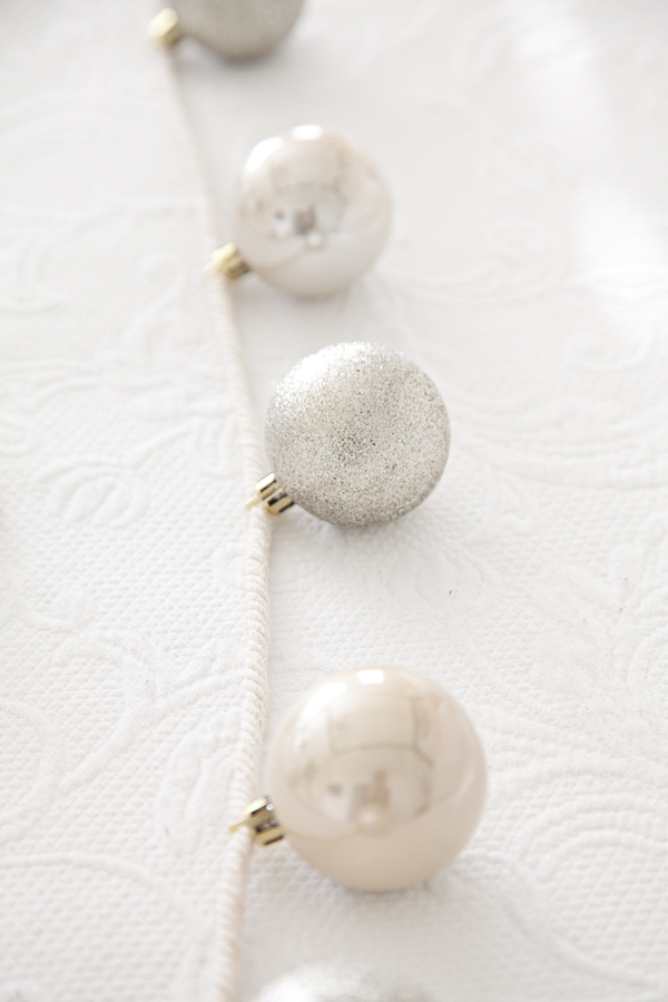 boxwood-clippings-bauble-garland-5