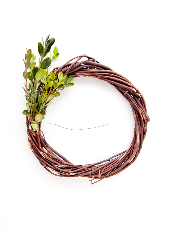 Boxwood wreaths are so versatile and add such a great pop of greenery where ever you place them! They are especially great at Christmas when you want to deck every corner of your home!!